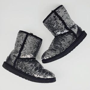 UGG Classic Short Sequin Silver & Blac Boot Sz 6